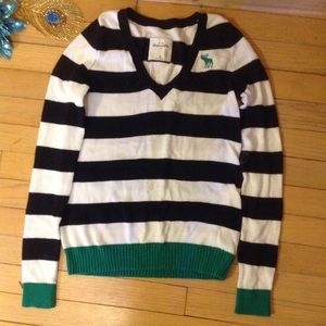 Abercrombie kids sweater, size M